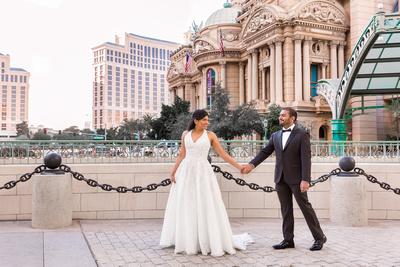 Wedding photographer in Las Vegas